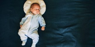 How To Get Baby To Sleep Without Swaddle The 2 Opposite Methods Header